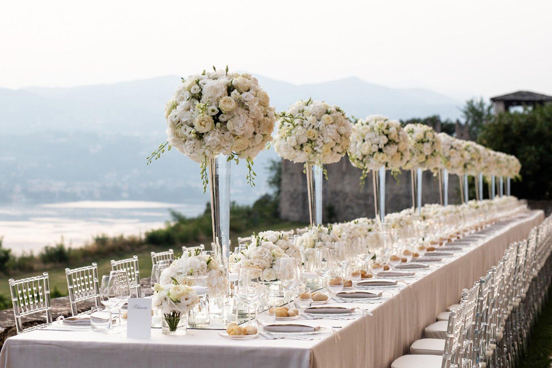 A fairy-tale wedding in an Italian castle