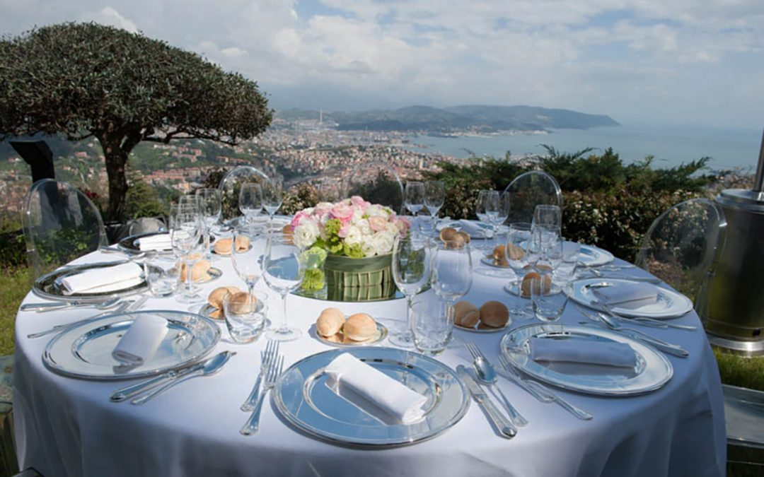 Dinner with a beautiful sea view