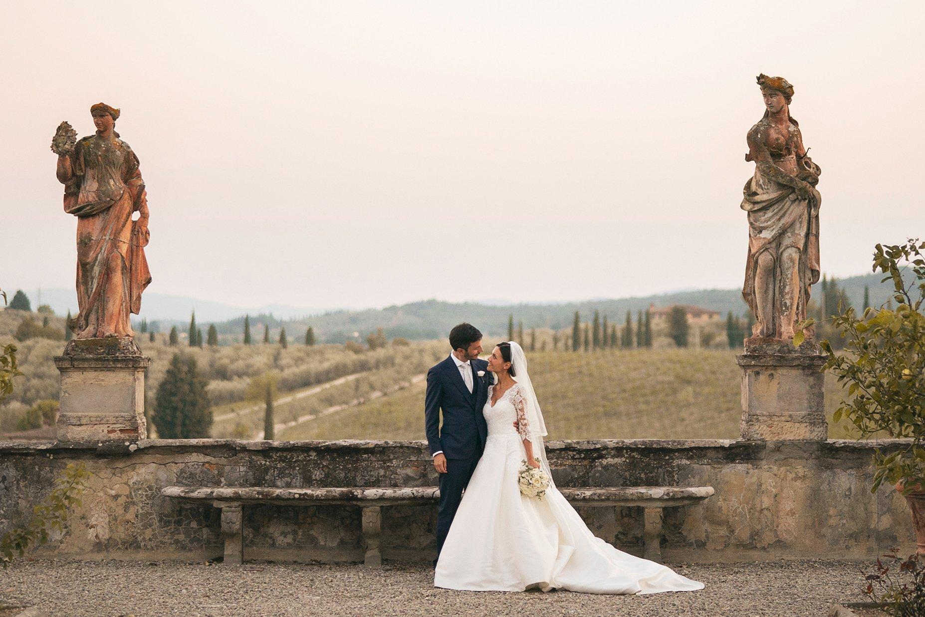 Emotional wedding in Tuscany